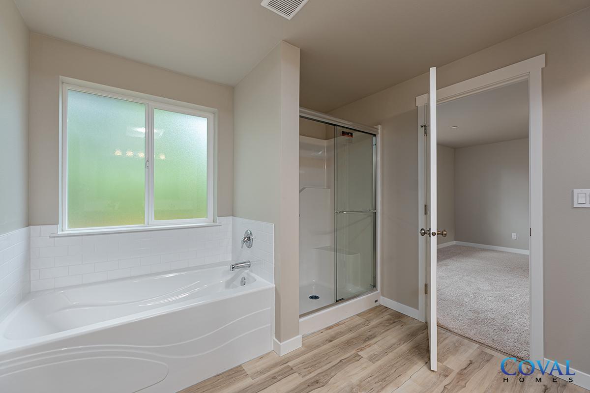 Coval Baker - 2073 SqFt - 3 Bed - 2.5 Bath - 2-Story