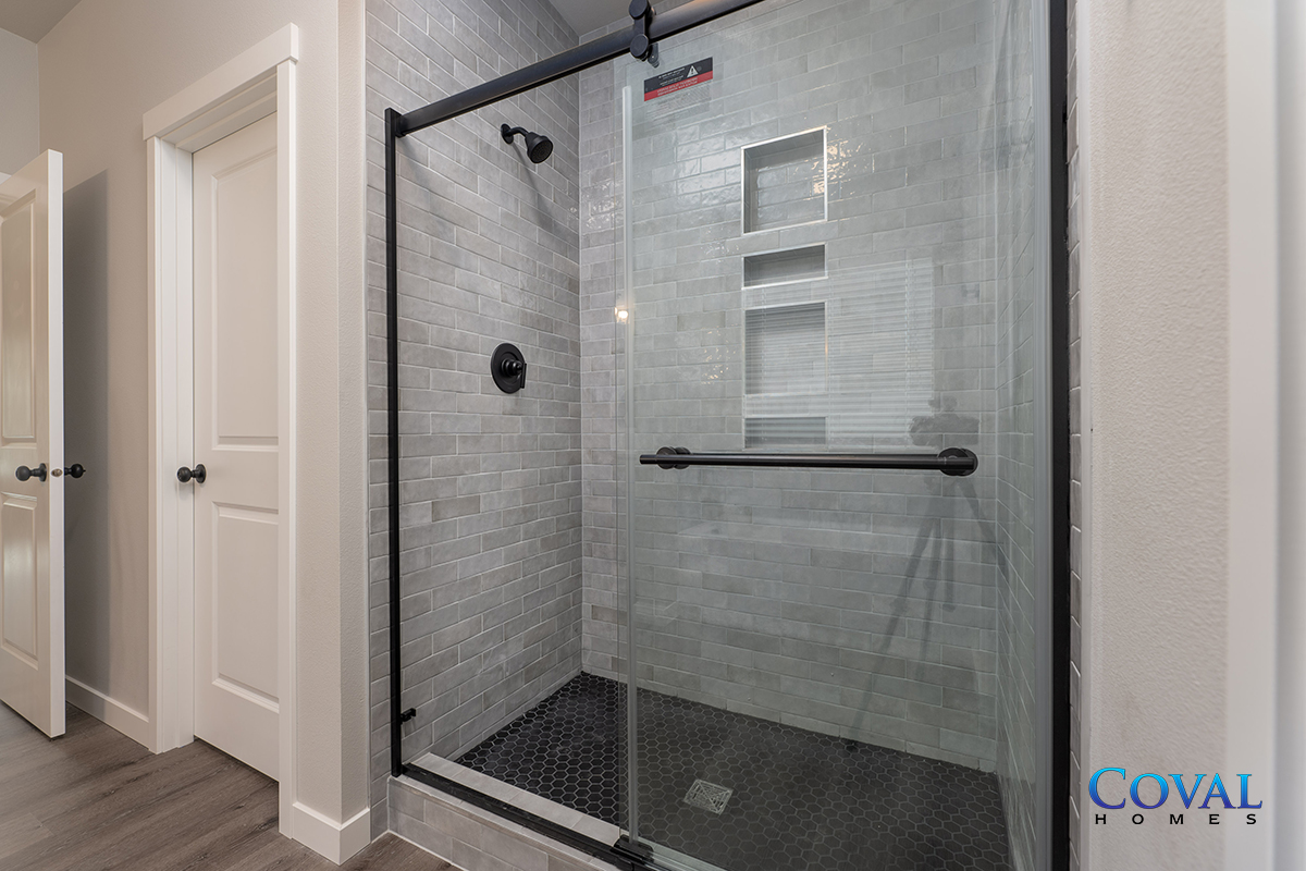Coval Alderwood - 2301 SqFt - 4 Bed - 2.5 Bath - 1-Story